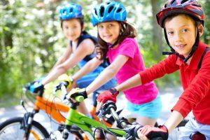 les enfants et le vélo