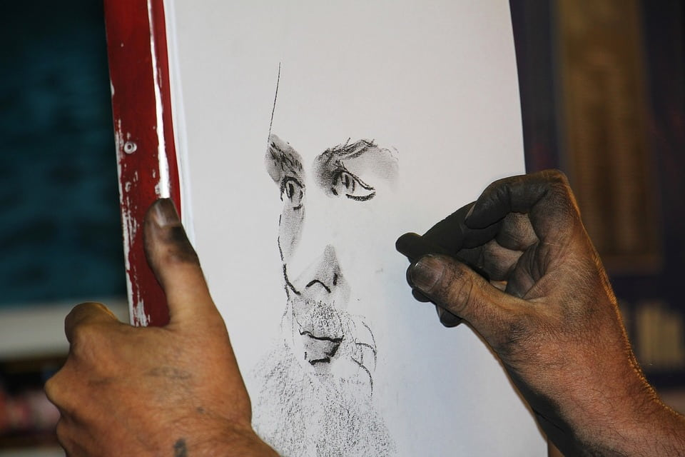 Tout savoir sur les portraits et dessins au fusain